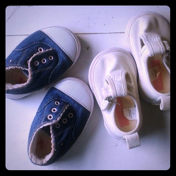 GAP Other - Sz3 baby girl sneaker set washable